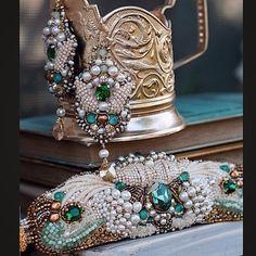 "Это тоже одна из прошлых работ, живет комплект ""Эдемский сад"" у прекрасного мастера @elegri.art #вышивка#ручнаяработа#браслет#серьги#авторскаяработа#комплект#кристаллы#бисер#канитель#earrings#embroidery#silk#swarovski#lace#art#beads#beadwork#jewelry#mysolutionforlife#мастеркрафт#world_best_ideas#handmade#antiquelace#vintage#vsco#vscoartist"