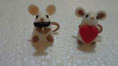 Ratitas love Snowman, Love, Christmas Ornaments, Holiday Decor, Disney Characters, Home Decor, Porcelain Ceramics, Amor, Decoration Home