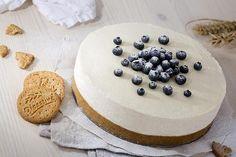Nepečený cheesecake s omáčkou z čerstvých borůvek