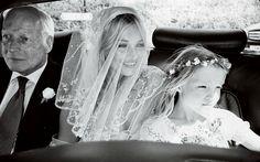 Dimentica forcine, pettini e ore di preparazione: per le acconciature sposa 2016 via libera ai capelli sciolti!