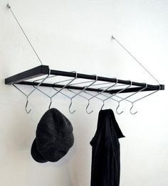 baumundboden: Reversed coat hanger