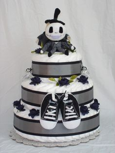 Boys 3 Tier Jack Skellington Diaper Cake... if I would of done my baby shower u know this would of been my diaper cake ;)