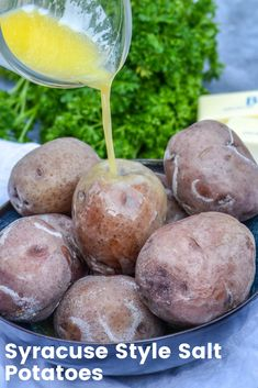 Potatoes are a pretty common occurrence on our dinner table but certain recipes take them above and beyond. These boiled Syracuse style salt potatoes Potato Recipes, Vegetable Recipes, Potato Dishes, Side Recipes, Dinner Recipes, Starch Foods, Salted Potatoes, Different Vegetables