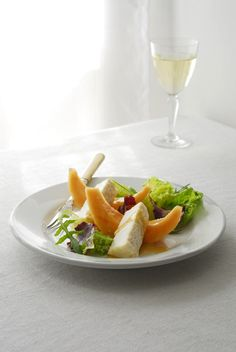 Goat's cheese with melon Easy Starters, Goat Cheese, Goats, Light Appetizers, Goat