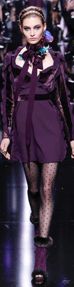 Elie Saab Fall 2017 Ready-to-Wear Collection Photos - Vogue Winter Typ, Winter Mode, Fall Winter, Winter 2017, Fashion 2018, Fashion Week, Runway Fashion, Fashion Outfits, Paris Fashion