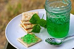 Mint Jelly recipe for Lamb - cups packed fresh mint leaves 2 tbsp. Mint Jelly, Jam And Jelly, Canning 101, Canning Recipes, Jelly Recipes, Jam Recipes, Mint Recipes, Green Food Coloring, Sauces