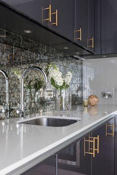 49 Cool Small Kitchen Design With Island Kitchen Room Design, Luxury Kitchen Design, Home Decor Kitchen, Kitchen Furniture, Kitchen Interior, Home Kitchens, Gold Furniture, Furniture Hardware, Luxury Kitchens