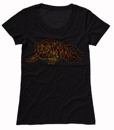 The gold & red print of the tiger gives this tee an exceptional vintage look that will never go out of style. Vintage Looks, Going Out, T Shirts For Women, Tees, Cotton, Mens Tops, Style, Fashion, Swag