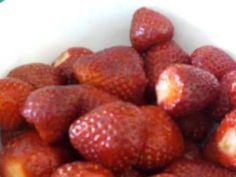 """Το πρωινό των """"Πρωταθλητών""""! - YouTube Strawberry, Fruit, Youtube, Food, Essen, Strawberry Fruit, Meals, Strawberries, Youtubers"""