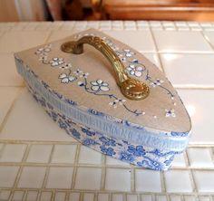 文鳥日記 フランス本掲載 アイロン型のお裁縫箱