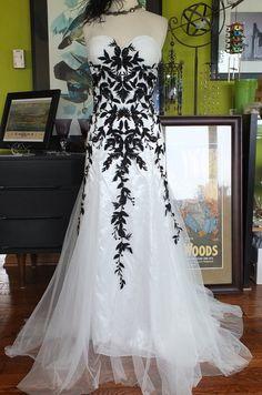 bLACK AND wHITE wEDDING DRESS Alternative wedding dress lace tulle gown sz 14 by RetroVintageWeddings on Etsy https://www.etsy.com/listing/192564453/black-and-white-wedding-dress