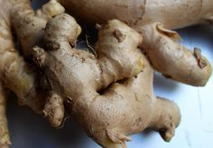 Kliknij i przeczytaj ten artykuł! Growing Ginger, How To Store Potatoes, Ginger Plant, Florida Food, Grocery Store, Naan, Smoothies, Health And Beauty, Spices