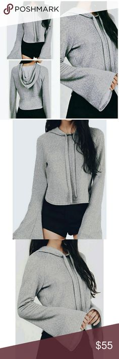 ❗1 HR SALE❗⭐ Luxe Bell Sleeve Hoodie Sweatshirt ❗LAST ONE❗  This style is so unique, sexy, comfy & right on trend! It's all about bell sleeves this season. The cutest hoodie!   High Quality Fabric  Flared Bell Sleeve  Flattering Cropped Waist  Polyester Blend  Machine Wash Low Temperature  Do Not Bleach  Junior's Fit  📍OSFM S/M  ▪ Price is Firm ▪ No Trades  ▪ Fast Shipping Moda Ragazza  Tops Sweatshirts & Hoodies