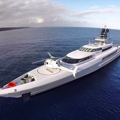 M/Y Dragonfly 73.30m. What a spectacular design. #SuperyachtsWeLove #BeautifulSuperyachts