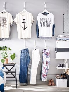 9 New IKEA Hacks + Ideas Shelf Bracket Closet DIY Turn some shelf brackets literally upside down and let your clothes, shoes and jewelry become part of the decor. Perfect for a dorm space. Ikea Shelves, Ikea Storage, Storage Hacks, Closet Storage, Bedroom Storage, Storage Ideas, Storage Design, Ikea Clothing Storage, Clothing Racks