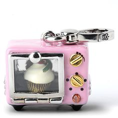 Juicy Cupcake Oven Charm. <3