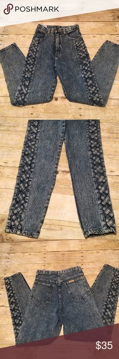 """🍁Vintage Acid Washed Jeans🍁Excellent Condition Fabulous!!! Everything about these jeans, scream 1980's!!! The waist is 25"""". Inseam is 27"""". Rise is 11"""". Ankles are 5"""" straight across. Thighs are 9"""" straight across. PURE Jeanswear is on the button. In near perfect (perfect is new) condition and comes from my non smoking home Vintage Jeans"""