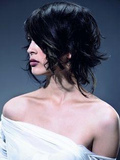 uneven wavy black hair