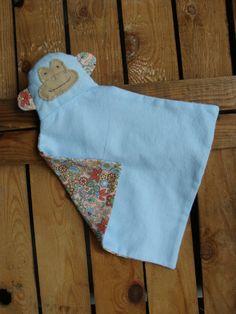 baby knuffel gemaakt van flanel door  atelier daantje daan