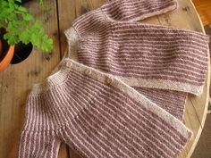 IMG_6367 Knitting For Kids, Baby Knitting Patterns, Baby Barn, Textiles, Baby Leggings, Knit Or Crochet, Beautiful Babies, Free Pattern, Baby Kids