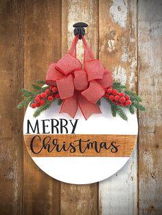 Christmas Classroom Door, Christmas Front Doors, Christmas Door Wreaths, Christmas Door Decorations, Christmas Wood, Christmas Signs, Christmas Projects, Holiday Crafts, Holiday Decor