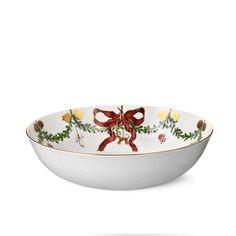Star Fluted Christmas Serving Bowl, 3.25 qt by Royal Copenhagen