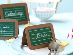 Table decoration for school enrollment - great place cards - Table decoration for school enrollment – great place cards -