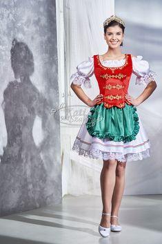 Kati Szalon - Piros-fehér-zöld menyecske ruha, hagyományos fazonban, blúzzal, köténnyel Folk Costume, Costumes, Folklore, Hungarian Girls, Traditional Dresses, Black Girls, Harajuku, Ballet Skirt, Spin