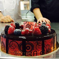 Oggi grande lezione di #pasticceria e di vita con il maestro @iginio.massari alle scuole del Gambero Rosso!  #pastrychef #pastry #torte #dolci #cake #instafood #yummy #instagood