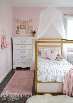 A shabby chic glam girls bedroom design idea in blush pink, white and gold with tons of DIY and kids bedroom organization ideas Pink Bedrooms, Teenage Girl Bedrooms, Teenage Room, Shabby Chic Bedrooms, Shabby Chic Homes, Trendy Bedroom, Girls Pink Bedroom Ideas, Kids Bedroom Girls, Modern Girls Rooms