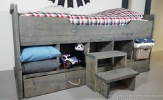 Steigerhouten kajuit bed verschillende kleuren verkrijgbaar www.kinderbed.biz #steigerhout #stoer jongens bed #stoer meisjes bed Bunk Beds, Storage Chest, Nursery, Rustic, Bedroom, House, Furniture, Home Decor, Room Ideas