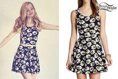 Dove Cameron: Daisy Print Dress