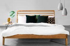 LARK łóżko z litego drewna dębowego, polski design Mebloscenka Oak Beds, Sofa, Bedroom, Modern, Furniture, Home Decor, Minimalist, Settee, Trendy Tree
