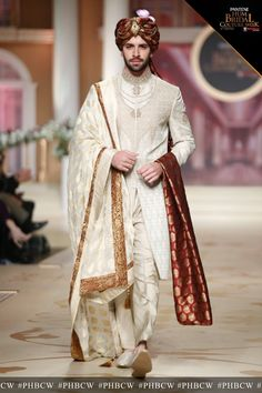 Get inspired from the design and get something like this Tailormade #mizznoor #pakistanifashiononline #pakistanicotoure #fashion #style #weddingdress #aimankhan #PakistaniActresses #bridallehenga #asiandesign #asianwear 💻www.mizznoor.co.uk 📨cs@mizznoor.co.uk Sherwani For Men Wedding, Wedding Dresses Men Indian, Sherwani Groom, Punjabi Wedding, Indian Weddings, Couple Wedding Dress, Wedding Outfits For Groom, Groom Wedding Dress, Wedding Couples
