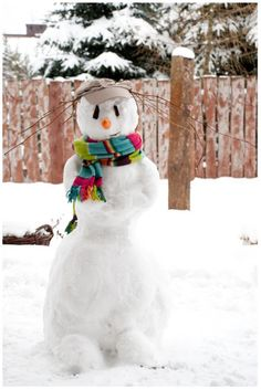 This is a really cute snowman. Growing up in Southern California, I missed getting to play in the snow!
