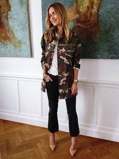 What to Wear to Brunch: 9 Stylish Women and Their Weekend Winners Look Street Style, Street Chic, Spring Summer Fashion, Winter Fashion, Estilo Blogger, Camo Jacket, Blazer Jacket, Vogue, Looks Style