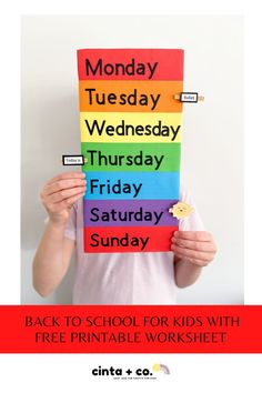 Make back to school easy with this fun printable calendar! This days of the week printable will be your back to school organised!