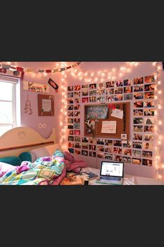 Tumblr room, i love the photos on the wall with the bulletin board!: