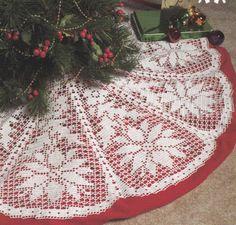 Poinsettia Christmas Tree Skirt Crochet