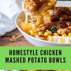 Chicken Pot Pie Bubble Up Casserole - Yummy Food Mashed Potato Bowl Recipe, Chicken Mashed Potatoes, Fluffy Mashed Potatoes, Cheesy Potato Bake, Cheesy Potatoes, Chicken Tortilla Soup, Cream Of Chicken Soup, Beef Gravy, Tasty