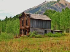 photo credit: Sarah Felix Burns - http://www.house-crazy.com/exploring-western-ghost-towns-ashcroft-colorado/