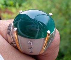 bacan-green-with-elegant-ring