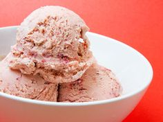 Bi-Rite Creamery's Strawberry Balsamic Ice Cream | Serious Eats : RecipesFor the Strawberry Purée 1 1/2 pints (3 cups) strawberries, hulled and halved or quartered 2 1/2 tablespoons sugar 4 teaspoons balsamic vinegar