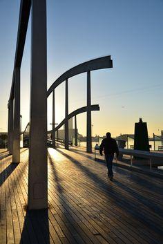 Romantische Abendstimmung am Hafen von Barcelona. #barcelona #portdebarcelona #travelcircus www.travelcircus.de
