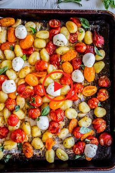 Sheet Pan Gnocchi with Cherry Tomatoes and Mozzarella Minute Dinner) from The Food Charlatan. This Sheet Pan Gnocchi looks deceptively fancy. But it's basically 4 ingredients (gnocchi, tomatoes, oil, mozzarella) and is a killer 30 minute dinner! Hold o Easy Summer Dinners, Easy Meals, Summer Dinner Ideas, Dinner For One, Healthy Weeknight Dinners, 30 Minute Dinners, Cooking Recipes, Healthy Recipes, Summer Vegetarian Recipes