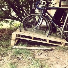 14 Ways of Reusing Old Wooden Pallets as Bike Racks Best of pallet projects DIY Pallet Ideas