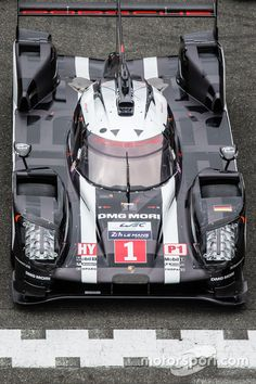 The traditional official car photoshoot: Porsche Team Porsche 919 Hybrid at 24 Hours of Le Mans test day High-Res Professional Motorsports Photography Porsche, Sport Cars, Race Cars, Mercedes Benz Mclaren, Le Mans 2016, Audi Motorsport, Le Mans Series, Motor Car, Motor Sport