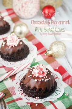 These Gluten Free Chocolate & Peppermint Mini Bundt Cakes are down right amazing! They're so moist and rich, you'd never know they were gluten free! #BRMHolidays #CleverGirls Living Better Together @bobsredmill