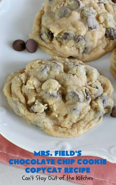 Field's Chocolate Chip Cookie Copycat Recipe – Can't Stay Out of the Kitchen Mrs Fields Cookies, Mrs Fields Chocolate Chip Cookies, Best Chocolate Chip Cookie, Semi Sweet Chocolate Chips, Cookie Recipes, Dessert Recipes, Desserts, Chicolate Chip Cookies, Blueberry Cobbler Recipes
