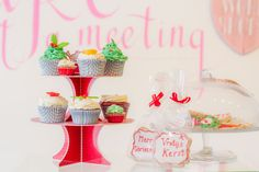 Cupcakes Christmas theme now available